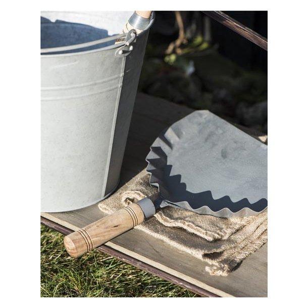 Fejebakke - zink m/træhåndtag - 32 cm